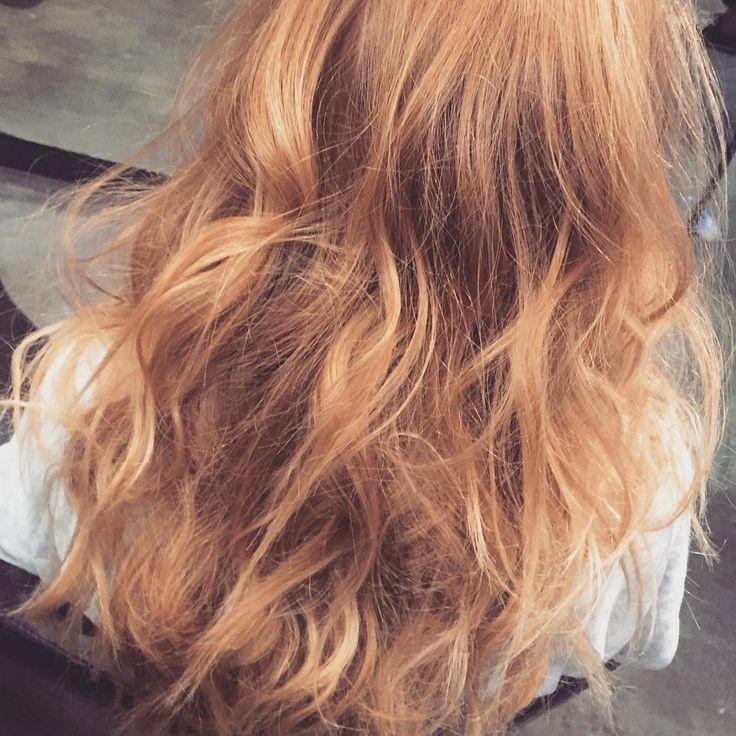 [sexy texture]Create body, smooth ends annnnd Wrap! Wrap wrap twirl.. #hair #texture #hairandmakeupbymia #victoriassecret