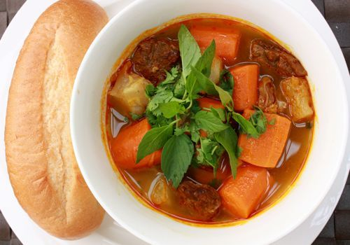 Bo Kho: A kind of Vietnamese spicy light stew/curry. So nice of cold ...