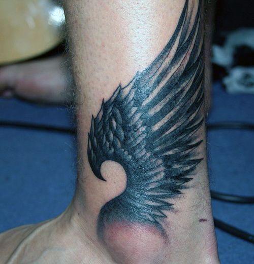 tatuaże na kostce skrzydło