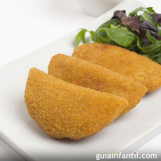 Rissoles o risoles de pollo, maíz y queso. Receta brasileña para niños