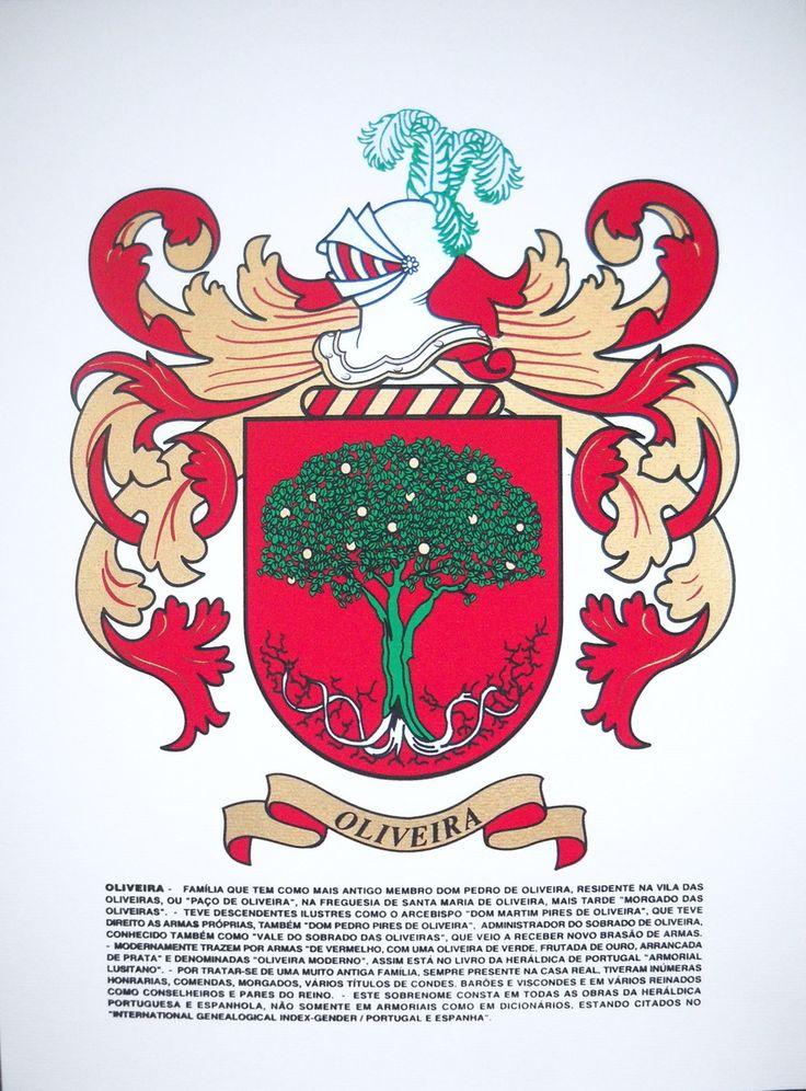 Brasão da família com adorno heráldico: Estampa em papel vergê pintada em serigrafia (processo artesanal) com tintas especiais, (nas cores originais da Heráldica (ex.: prata e ouro). INCLUI ADORNO (característico da Heráldica, composto de Elmo e Plumas). <br>INCLUI HISTÓRICO da origem do sobrenome.(ESTAMPA: tamanho 43 x 32 cm) (ESCUDO: tamanho 20 x 16 cm)