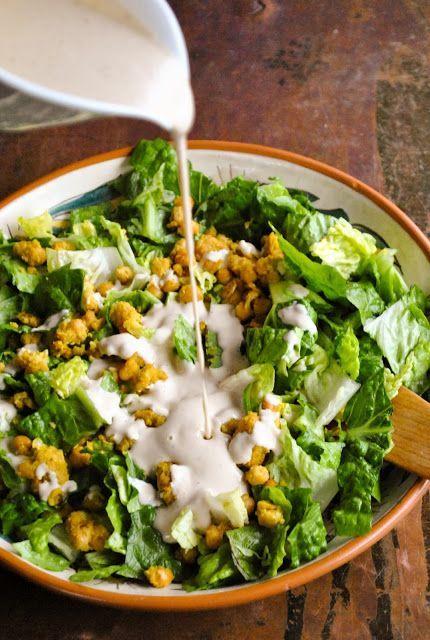 Creamy and tangy vegan Caesar salad (gluten free).   RECIPE: http://www.vegansandra.com/2017/03/creamy-and-tangy-vegan-caesar-salad-gf.html
