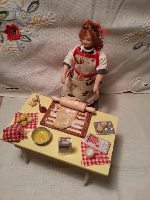Apron  Kitchen  Christmas  dollhouse scale by LaboratoriodiManu