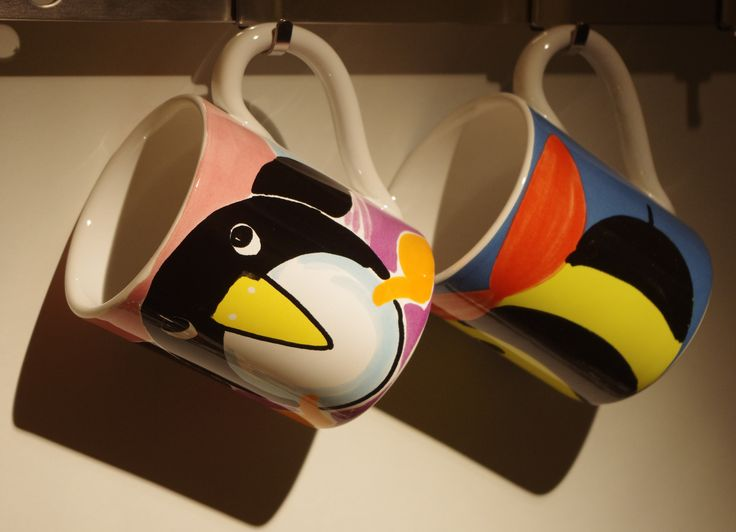 Mug Bee and Pinguin , into showroom Oggetti srl via barberia 28 bologna