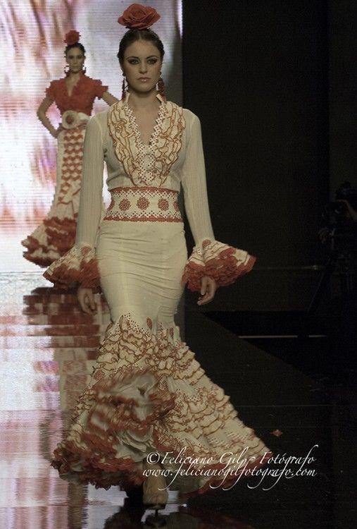 """""""Con Solera"""", desfile de Moda Flamenca de la diseñadora Macarena Beato (Faly, de la Feria al Rocío), en SIMOF 2013 - 43"""