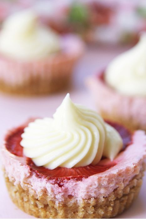 Love this idea - Strawberry Shortcake Cupcakes!