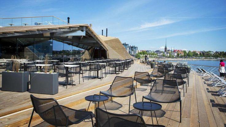Löyly - a public sauna, restaurant and terrace all in one with amazing views of Helsinki, Finland. //Löylyssä voi nauttia paitsi löylyistä myös arkkitehtuurista.