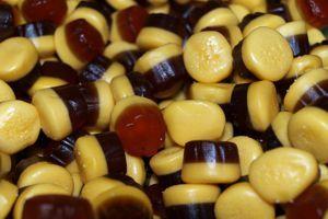 Caramelle gommose al caramello a forma di budino
