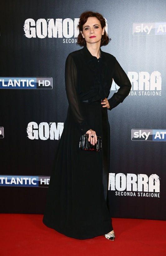 Camilla Filippi in total look Mantù di raso e seta alla première ieri a Roma di Gomorra 2! Elegantissima! #castor #mantù #camillafilippi #gomorra