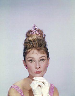 Custom Make Iconic Cinema Jewelry on Morpheus! http://www.morphe.us.com/  Breakfast at Tiffany's (1961) - Pictures, Photos & Images - IMDb