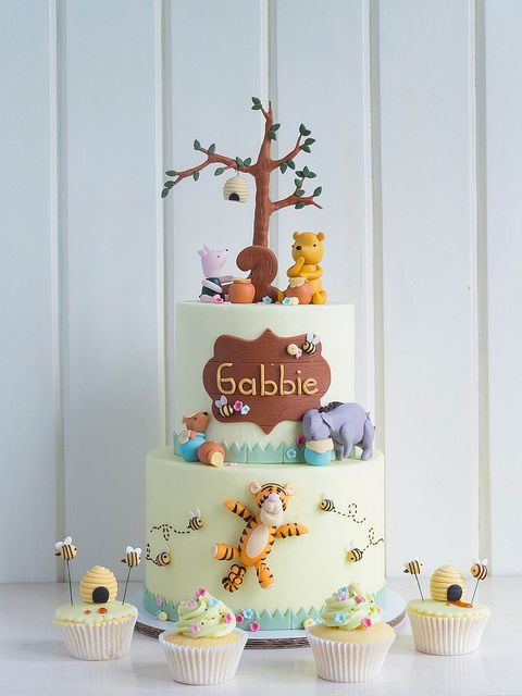 Vintage Winnie the Pooh by The Royal Piccadilly Cake Studio