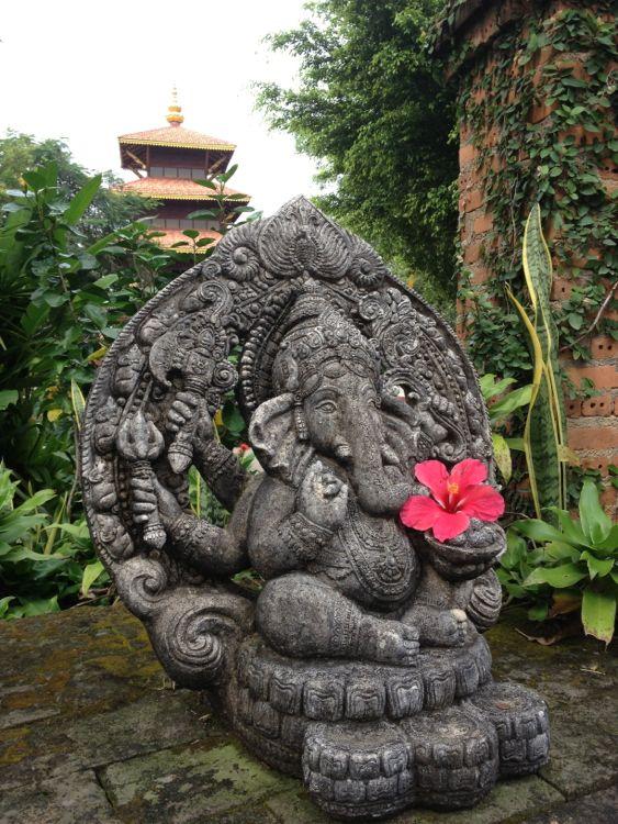 ganesha statue and pagoda