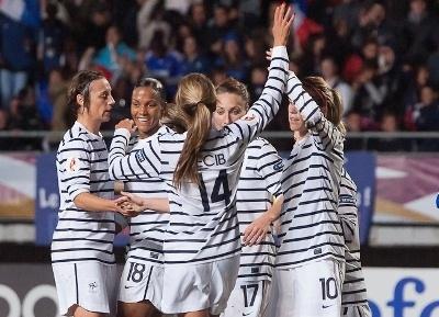 15/02/2012 / Match amical    France 2 - 1 Pays Bas.
