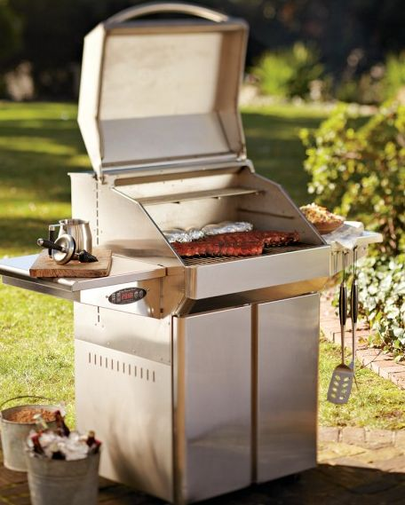 Summer grilling on the Memphis Pro Wood Pellet Grill!