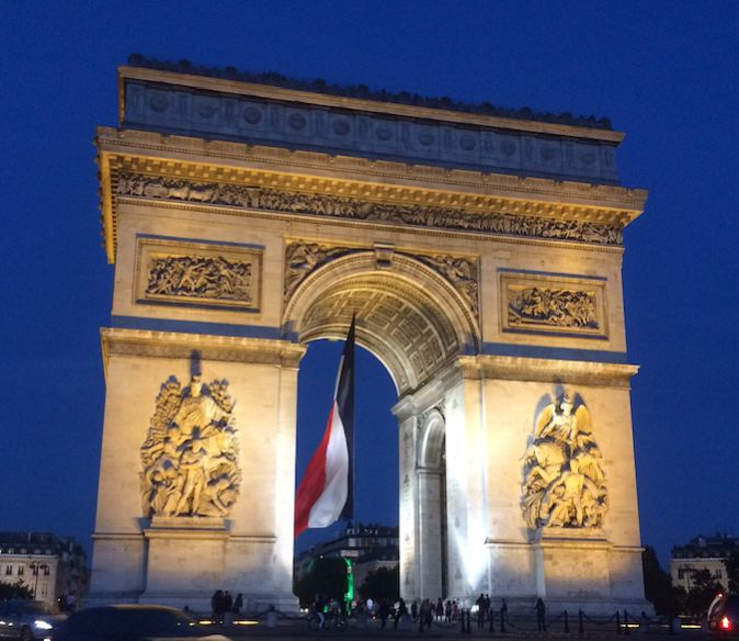 Arc de Triomphe / Paris, France Photo by Celia Persechino // Simply Paris: With 6 Simple Tips at happiestwhenexploring . com