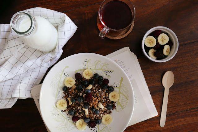 http://wholesomegirls.blogspot.com/2015/09/quick-no-bake-breakfast-granola.html