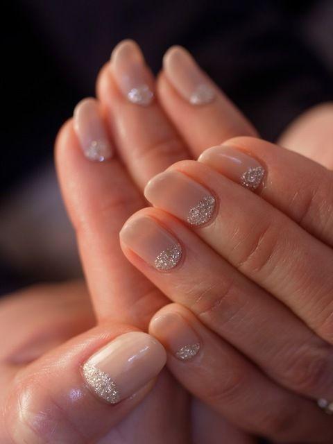 ☆ナチュラルベージュ×シルバーラメ☆ |パリのネイルサロン Bijoux nails Paris