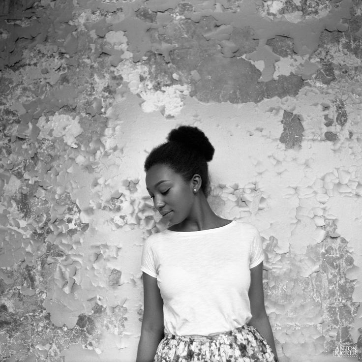 Pentacon six medium format bw blackwhite girl women fuji · white girlsportraitsblack whitefilm photographycomposition