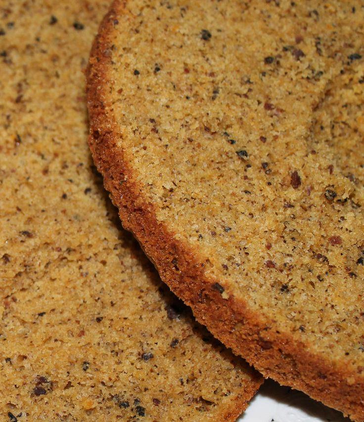 Pan di Spagna alla panna e nocciole | Inventaricette In cucina con Maria