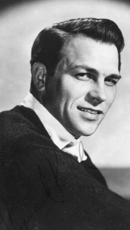 Howard Keel. classic handsome.