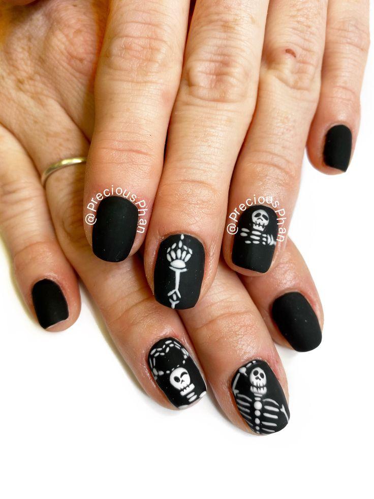 Skeleton nails. #PreciousPhan | Halloween nails, Nails ...