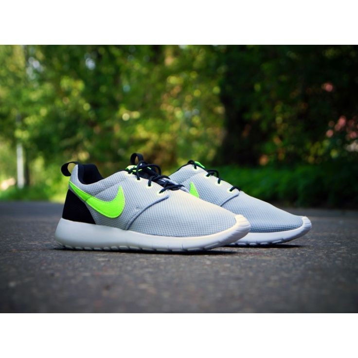 NIKE ROSHE ONE (GS) 599728-030