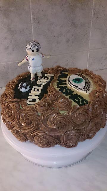 Papierowo zakręcona    : Tort urodzinowy