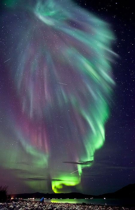 This is real life. What an amazing earth we have the privilege of inhabiting ... (Aurora in Norway.)