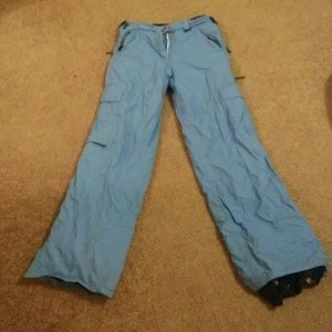 I just added this to my closet on Poshmark: 686 snowboard pants size L. Price: $25 Size: L