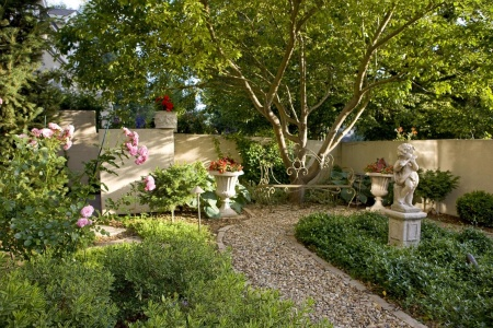 flower garden: Gardens Ideas, Flowers Gardens, Landscape Inspiration, Colorado Landscape, Landscape Ideas, Europeaninspir Landscape, Style Courtyards, European Inspiration Landscape, Courtyards Landscape