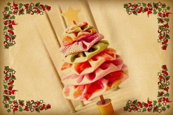 #ALBERODINATALE: bizzarro, classico o creativo? Come sarà il vostro #ALBERODINATALE? Mandatemi le foto dei vostriiiiiiiiii alber, indicando il vostro nome! Mi piacerebbe creare, con le vostre foto, una fotografia gigante da mettere nello sfondo delle foto di Natale per il blog… cosa ne dite???? http://www.pinkshake.it/albero-di-natale-bizzarro-classico-o-creativo/