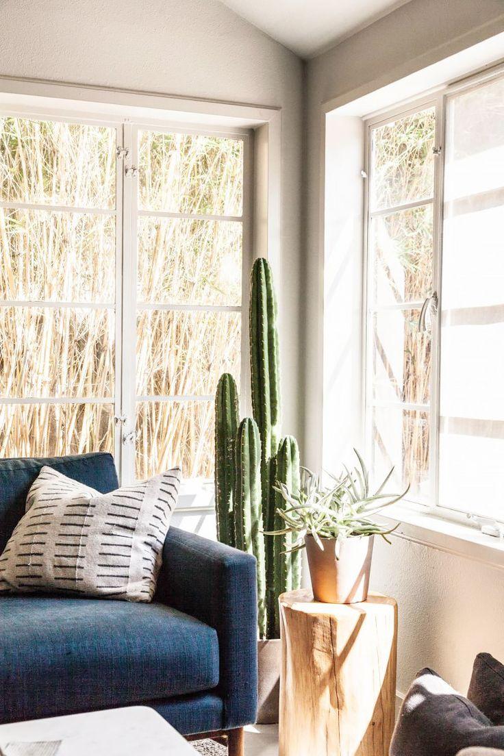 Inside+a+Hip+Austin+Apartment+With+Moody+Vibes+via+@MyDomaine