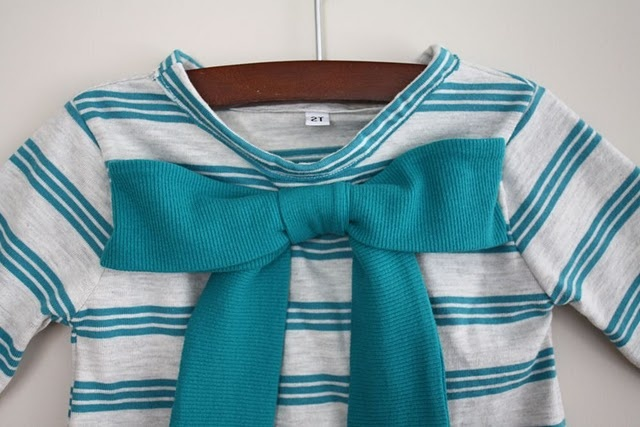 Love the bow on this cute shirt