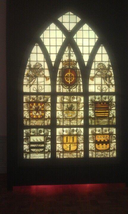 Museum de Lakenhal, leiden, Machtige Glazen