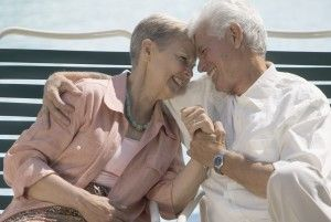 Pessoas de meia idade que vivem sozinhas apresentam uma probabilidade duas vezes maior de desenvolver algum grau de demência, quando comparadas com aquelas que vivem com um parceiro.