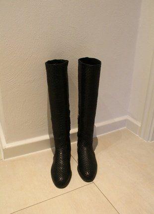 Kaufe meinen Artikel bei #Kleiderkreisel http://www.kleiderkreisel.de/damenschuhe/stiefel/141463223-luxus-stiefel-von-prada-calzature-donna-madras