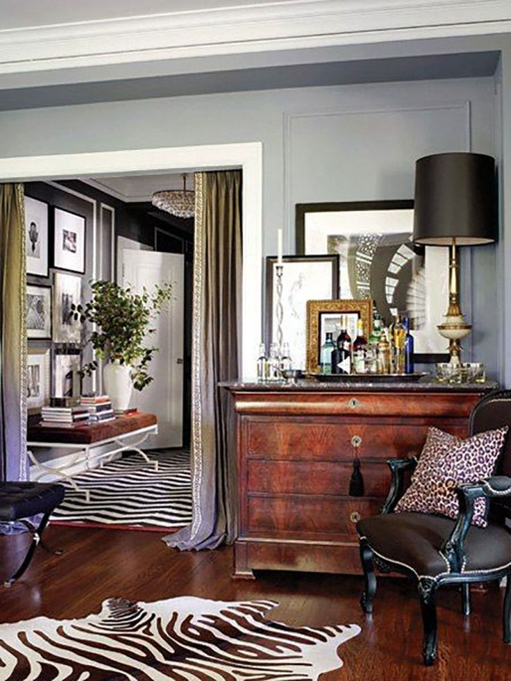 It S Okay To Mix And Layer Multiple Animal Prints Interior Traditional Living Room House Interior
