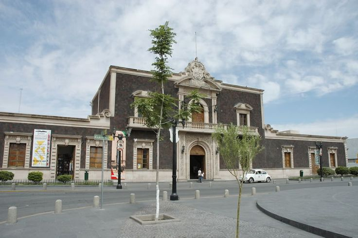 Old Town Hall. St, Mariscal and 16 de Septiembre.