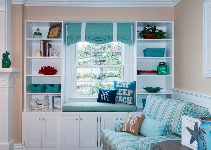Window Seat With Turquoise Accents Qualcraft