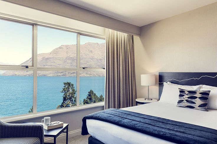 The Mercure Queenstown Resort, with a beautiful view on the mountains #NewZealand