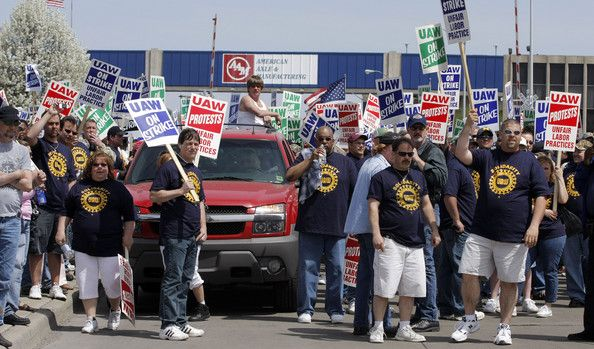 United Auto Workers Union (UAW) members protest the American Axle & Manufacturing annual Shareholder's Meeting at American Axle headquarters April 24, 2008 in Hamtramck, Michigan. The UAW went o strike against AAM eight weeks ago.