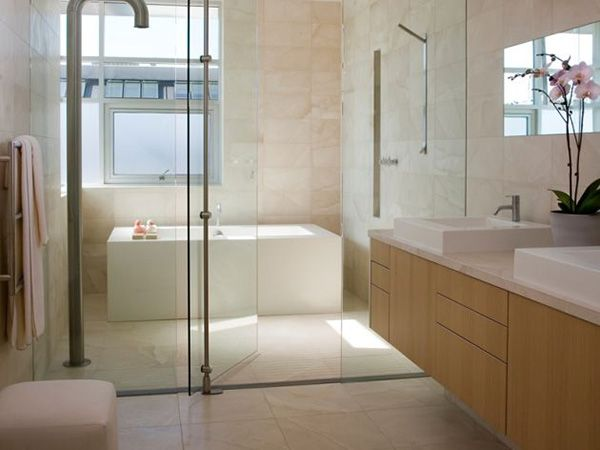 Tub and shower wet room
