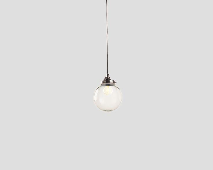Lampada a sospensione tonda 1 punto luce, in metallo finitura nichel lucido con paralume in vetro