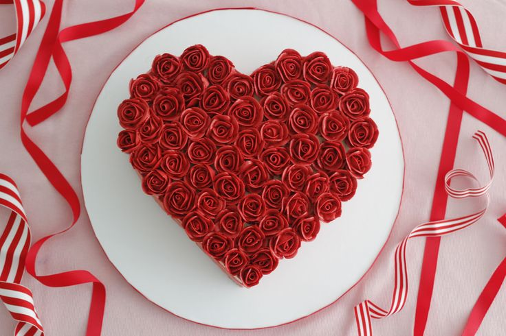 Heart Shaped Cake with Buttercream Roses
