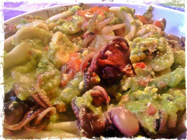 Orecchiette integrali e polipetti in salsa di asparagi e granella di pistacchi