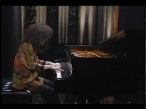 Thanks to a jazz pianist for getting me hooked. The amazing #Hiromi playing Tom and Jerry!