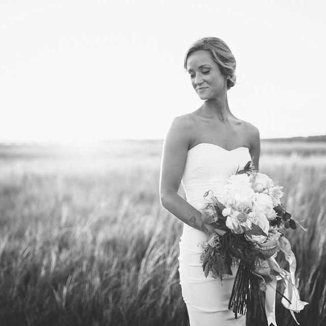 Beautiful, southern bride in Charleston, SC. | Charleston bridal portraits…