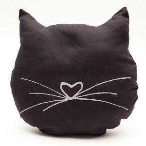 Cojín gato. Cat cushion.