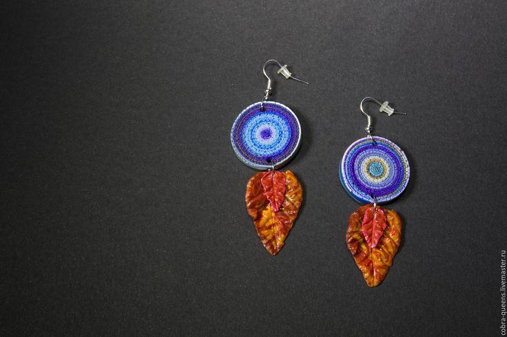 """Купить """"Дыхание октября"""" серьги - длинные серьги, подвижные серьги, синий, фиолетовый, оранжевый, октябрь"""