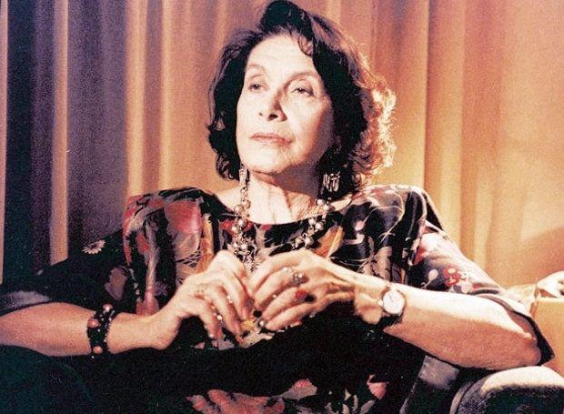 Νέλλη Αγγελίδου (1927 – 2014): Ελληνίδα ηθοποιός, που διακρίθηκε κυρίως σε θεατρικούς ρόλους.